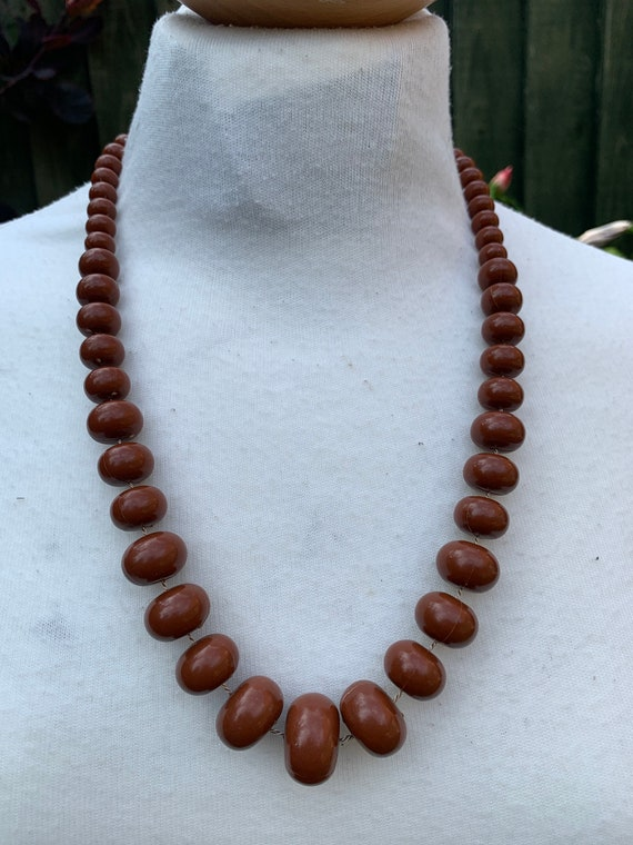 Vintage 1960's single strand brown beaded necklace
