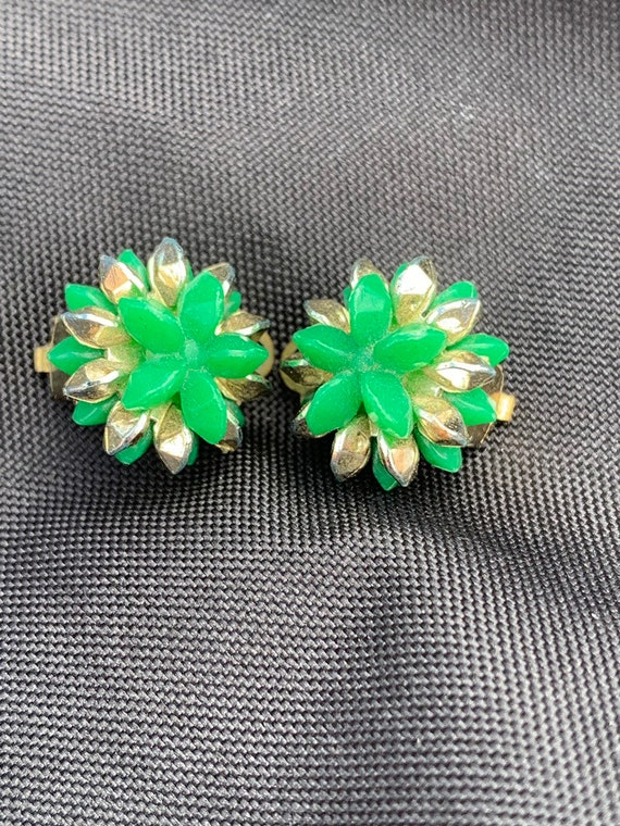 Vintage green and gold beaded clip on earrings