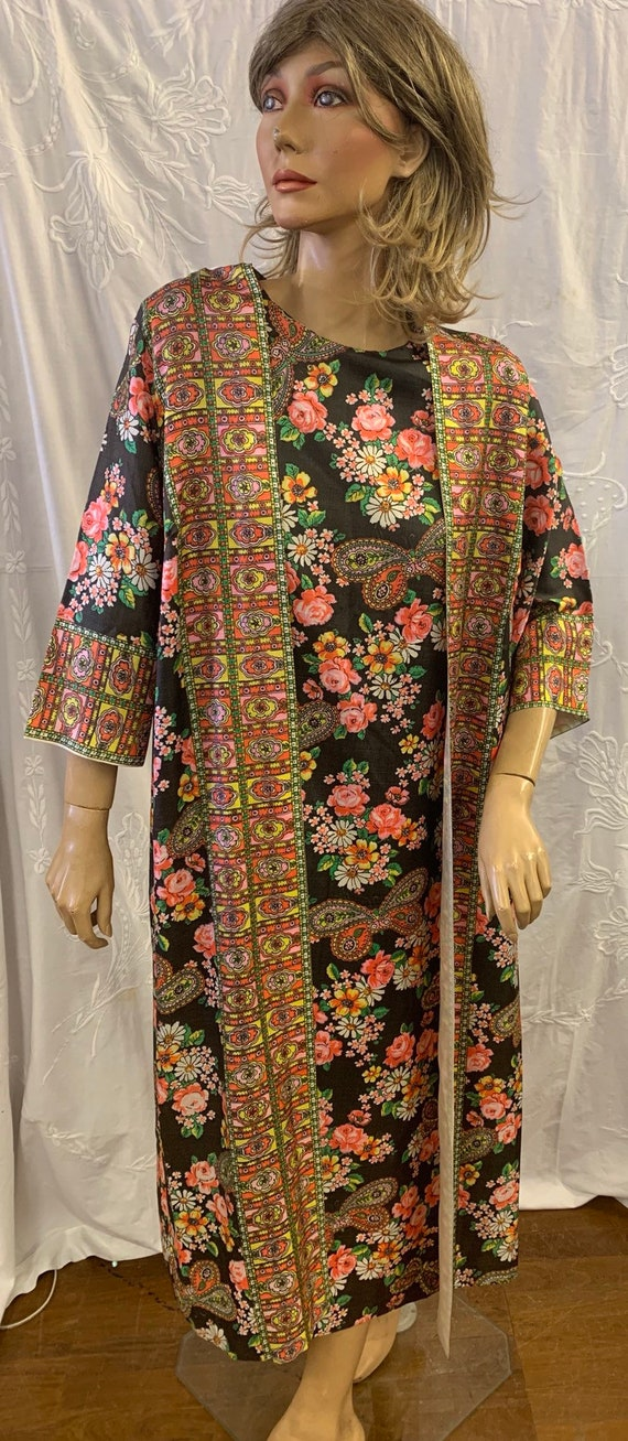 Stunning handmade 70's vintage flower and butterfly print dress size 14-16 uk