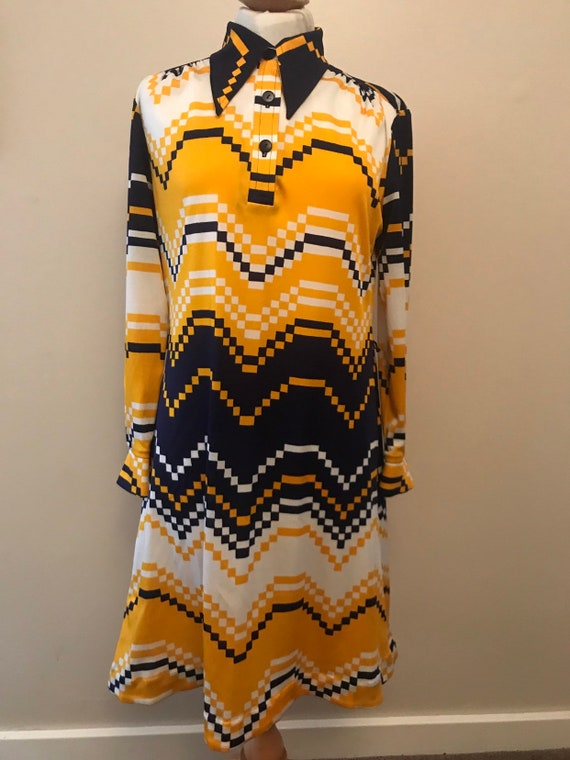 Funky 1970's vintage dress size 12-16