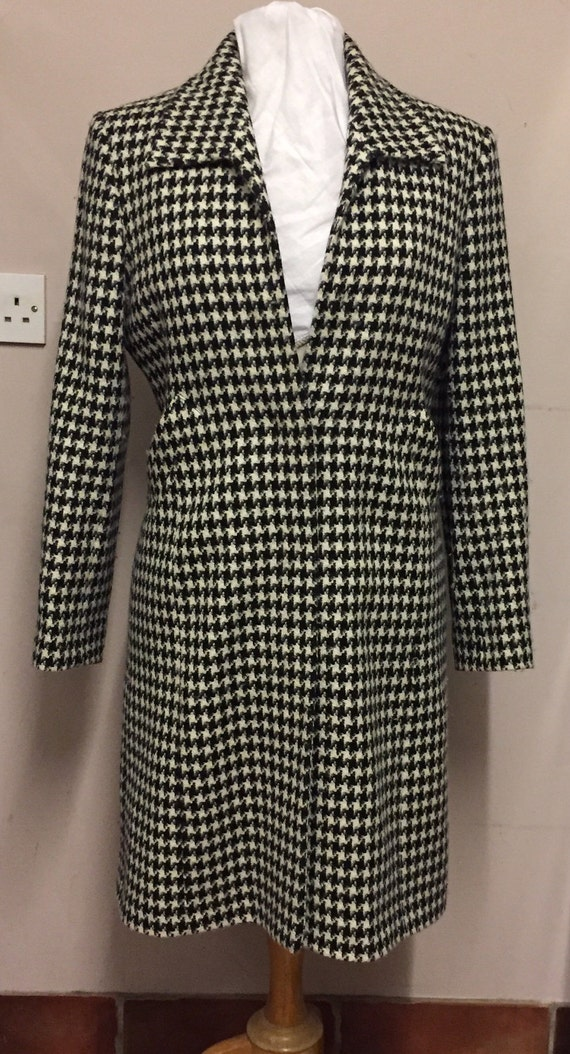 Dog tooth coat size 12