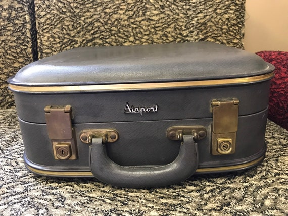 Vintage 1960's British Airway cabin crew travel bag.