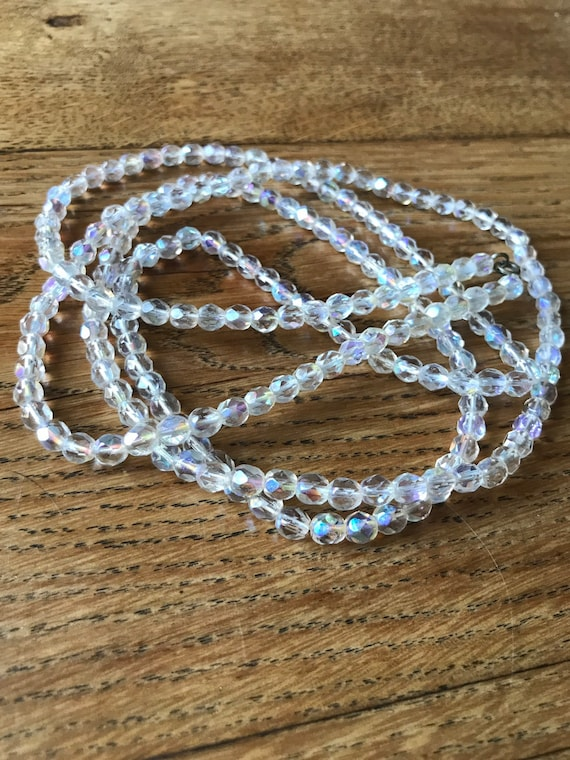 Vintage pearlescent glass beaded necklace