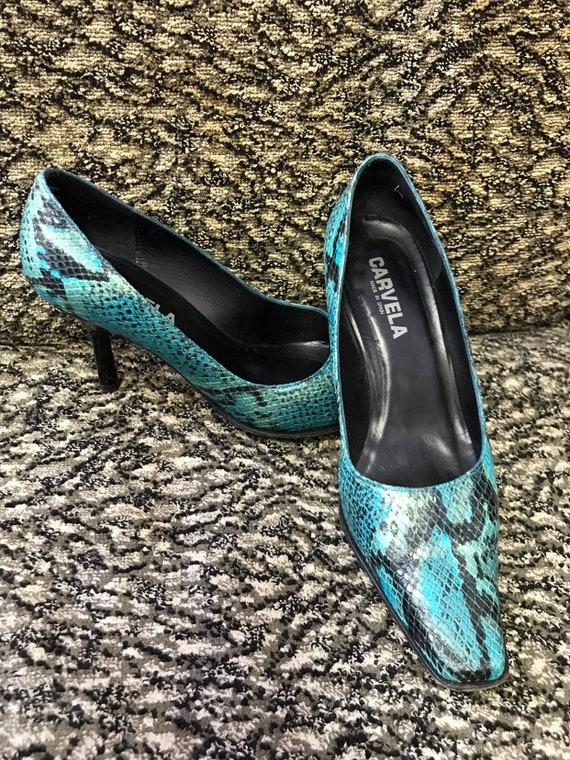 Vintage snake skin shoes by Carvella size Uk 6