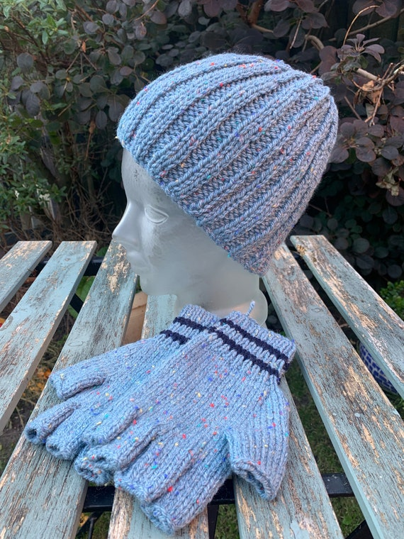 Vintage hand knitted slouch hat and mittens in blue wool