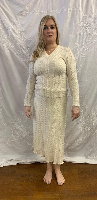 Vintage 1980's woollen two piece cream a skirt suit size 12
