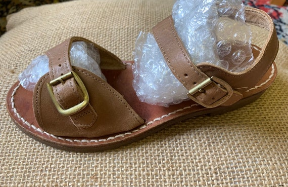 Vintage leather sandals size uk 6 by Pebe