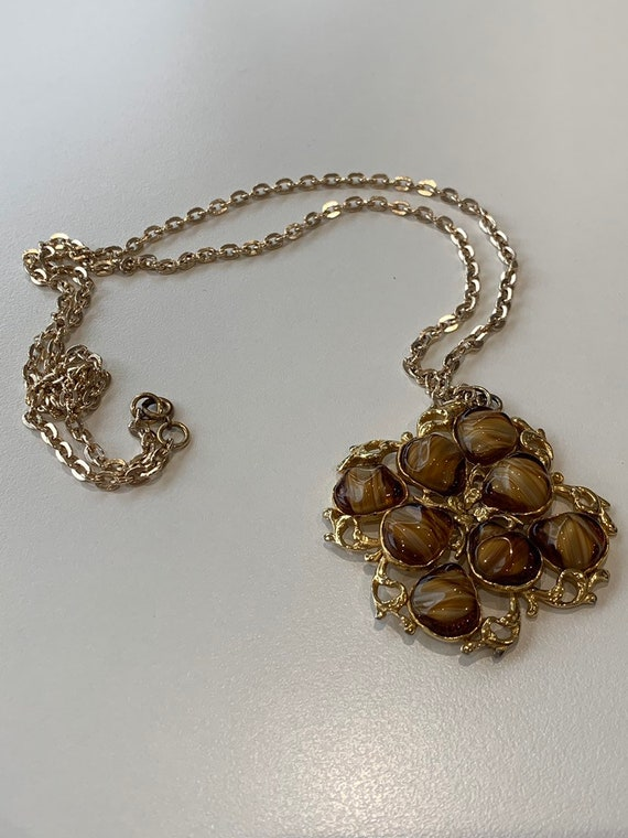 "Vintage glass beaded pendant on a 15"" chain"