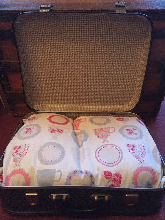 Lovely vintage suitcase pet bed with cushion