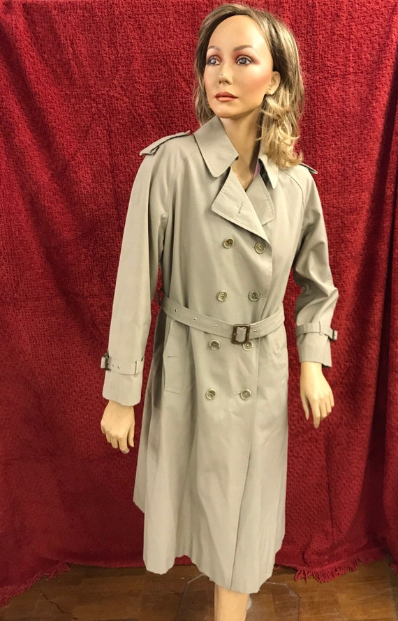 Ladies Vintage rain mac size Made by Canada for C & A