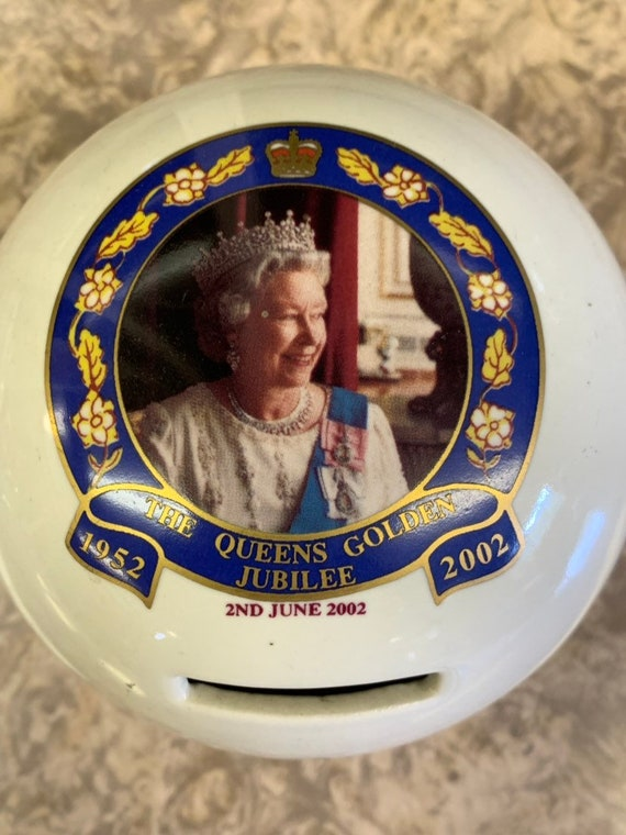 Royal Golden jubilee money box by prinknash abbey pottery