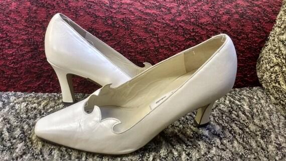 Vintage Italian White Pearlescent Leather Sole Square Toe Wedding Shoes EUR 37 UK Size 4
