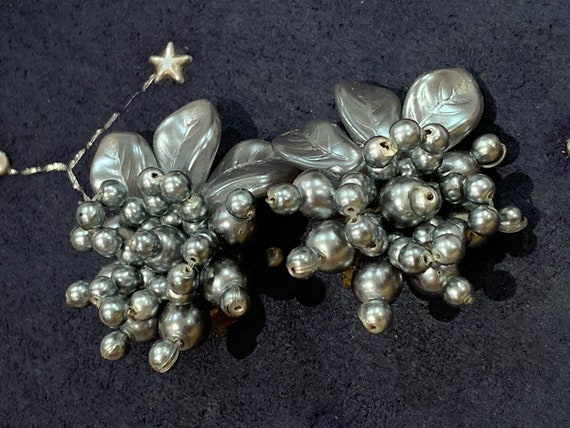1980's Beautiful silver beaded clip on flower earrings