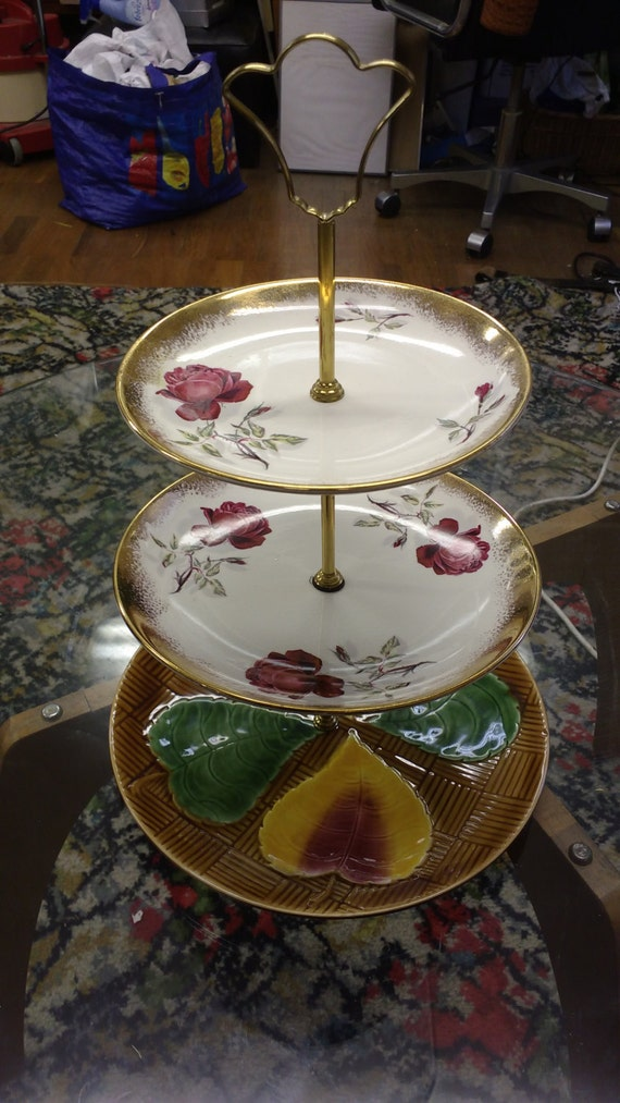 Handmade Vintage Plate Cake Display Red Roses Gold Leaves