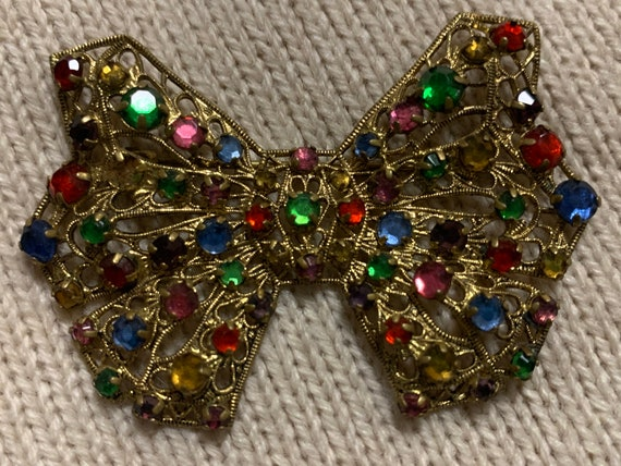 Vintage bow brooch with gems