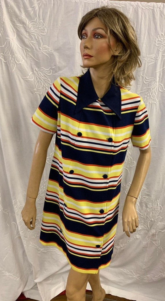 Stunning 1970's striped dress by with large collars size uk 10-12