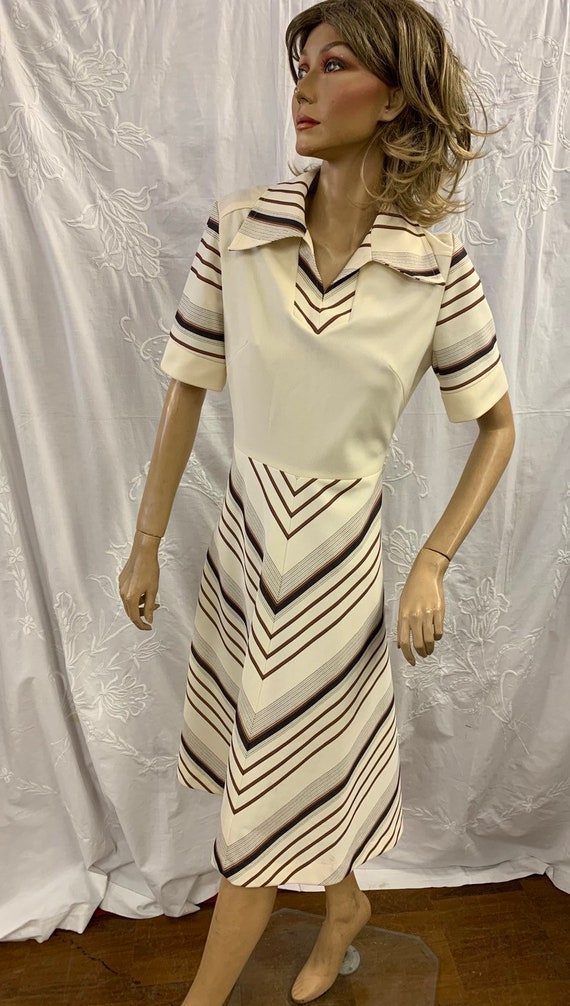 Funky retro 1970's striped dress by  Legyil with large collars size uk 12-14