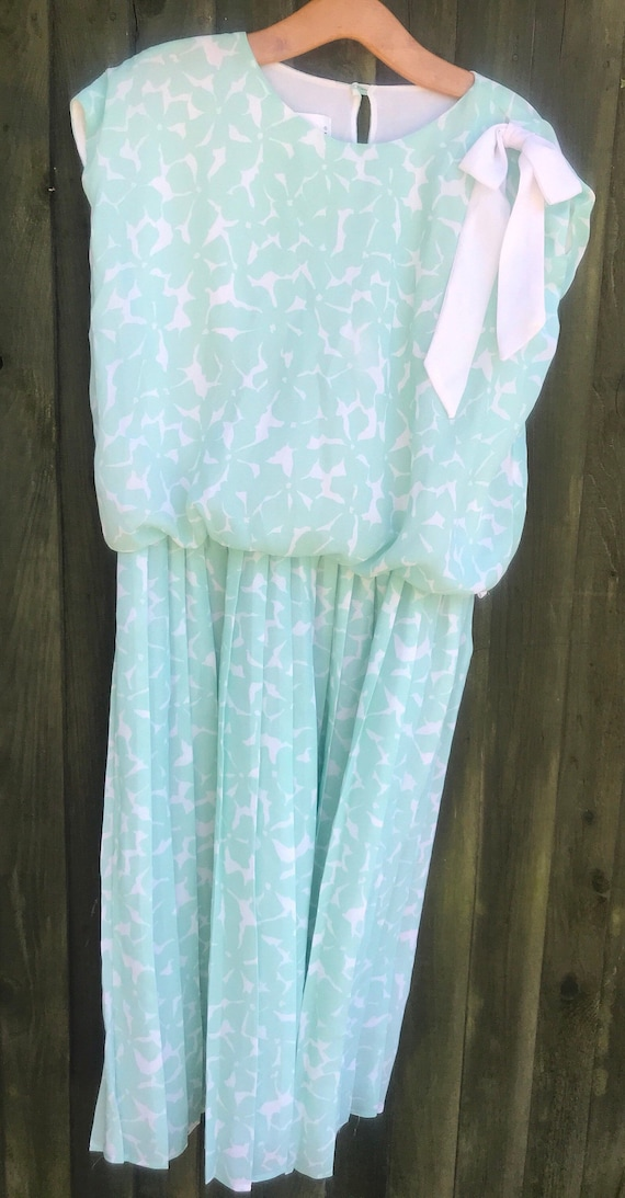 Lovely vintage dress made by Beuda size L