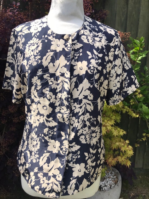 "St Michael's Vintage floral short sleeved blouse size uk 10 / 38"" bust"