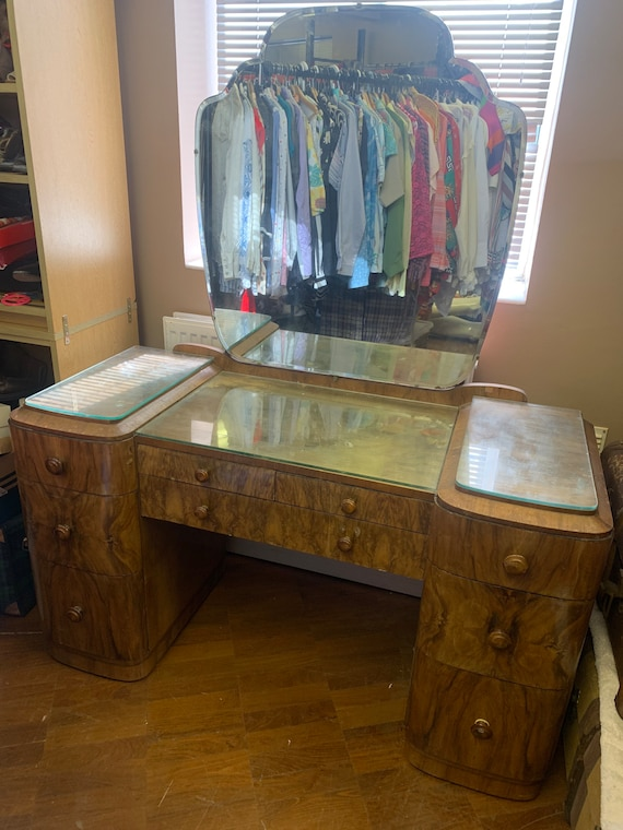 Gorgeous 1920's dressing table- buyer to collect or arrange courier