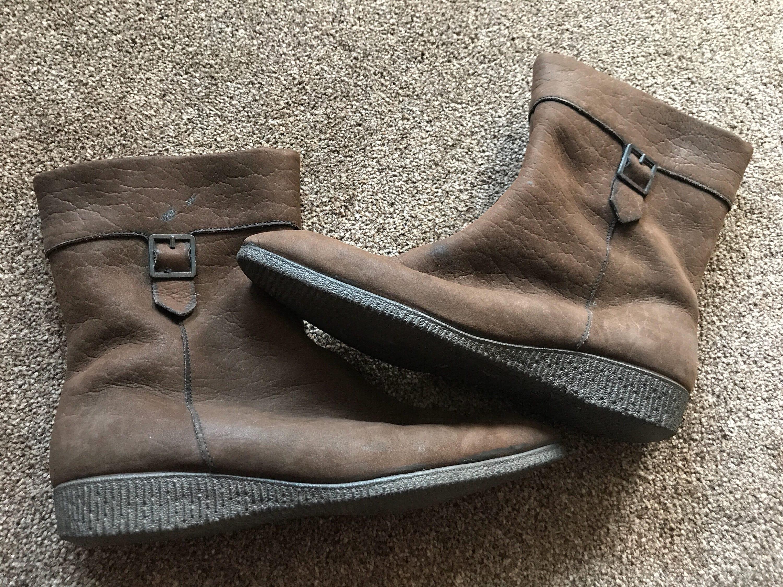 d40f236953 Vintage Clarks igloo boots size uk 5