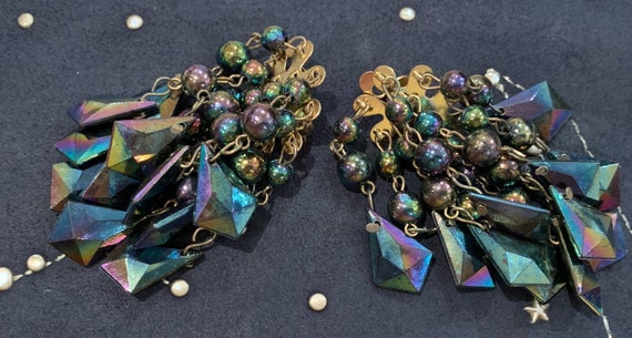 1980's Beautiful isotonic beaded clip on drop earrings