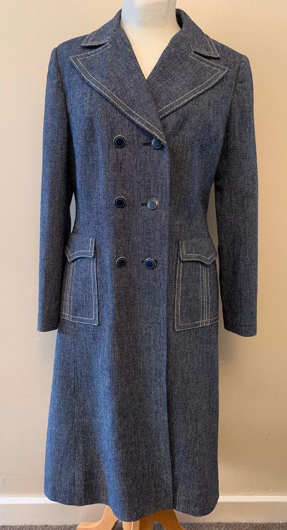 1970 's Vintage coat.Made by Alexon. Size UK 10-12