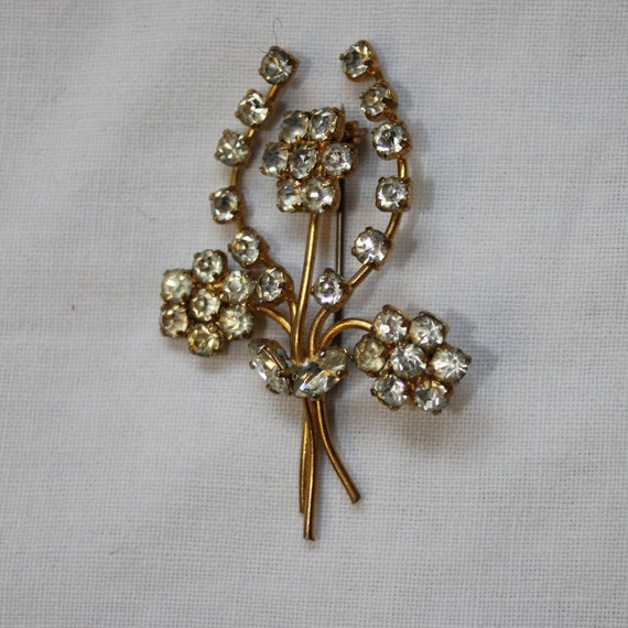 Vintage Gold Coloured Diamante Brooch