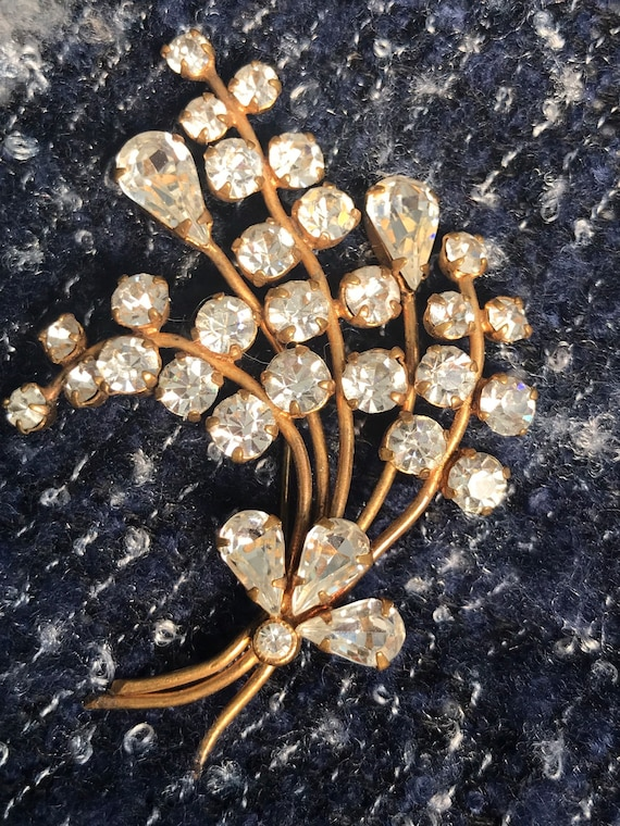 Beautiful diamanté flower brooch made in the 40's