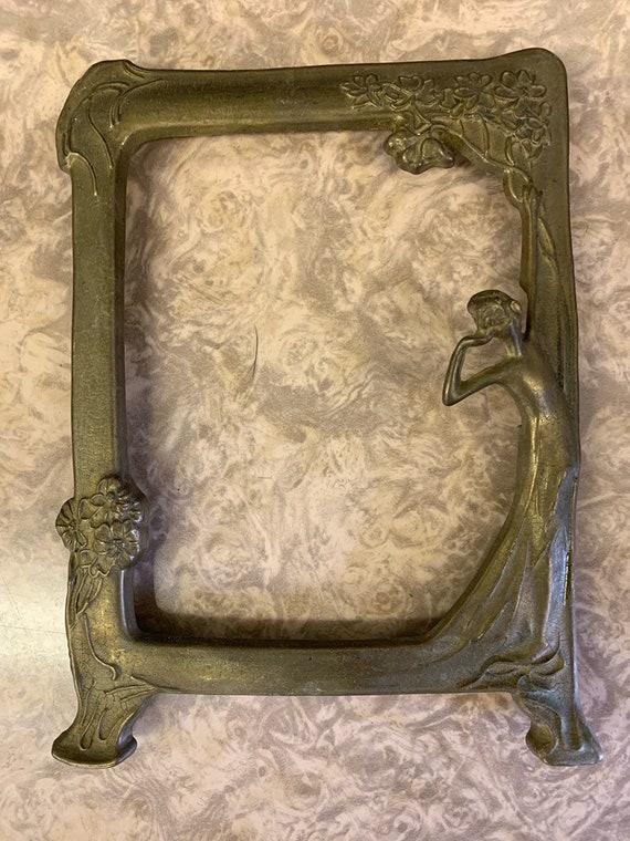 Gorgeous Art Nouveau metal/brass picture frame