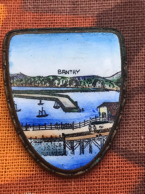 Bantry in Ireland enamel pocket pin badge