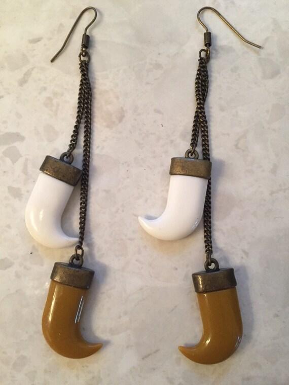 Claw drop vintage earrings