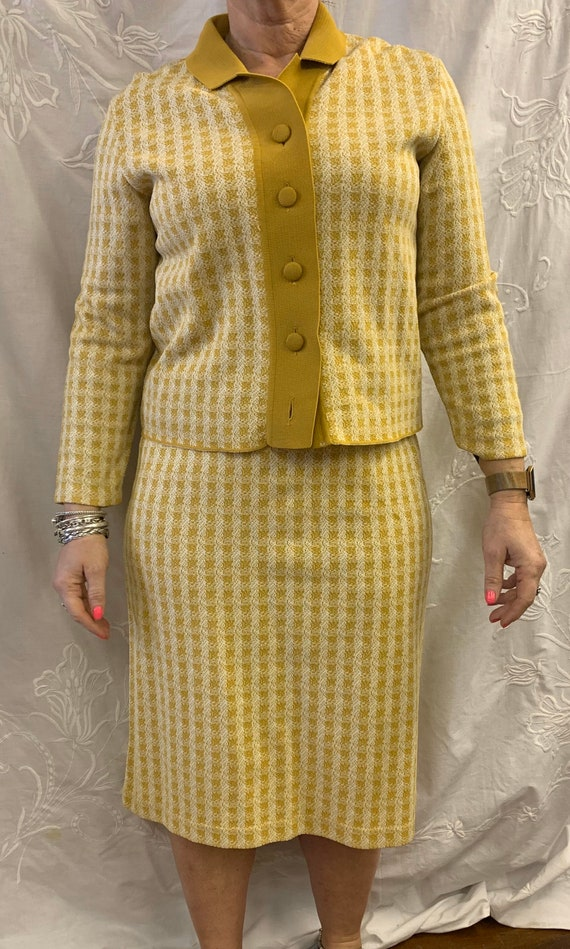 Vintage 1960's two piece mustard and white skirt suit size 12-14