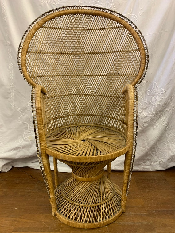 Vintage 1970's peacock chair. Buyer to collect