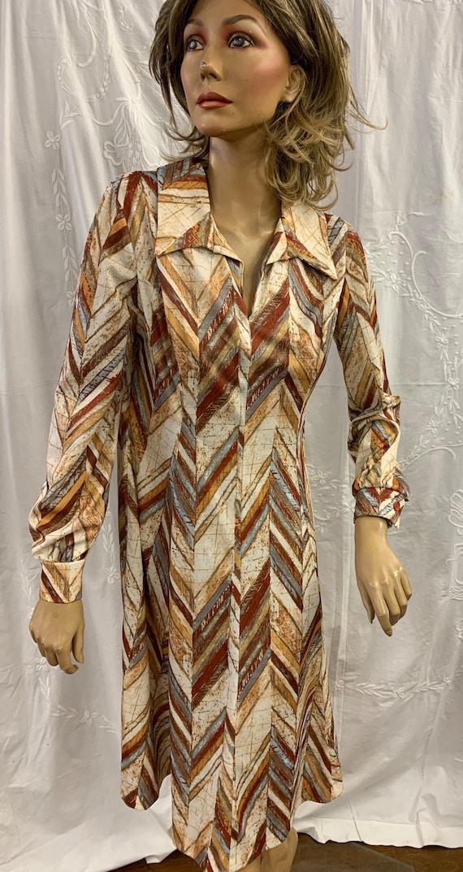 Big collared 1970's vintage herringbone dress size 14-16