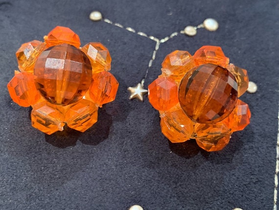 Beautiful oranged beaded 1950's earrings