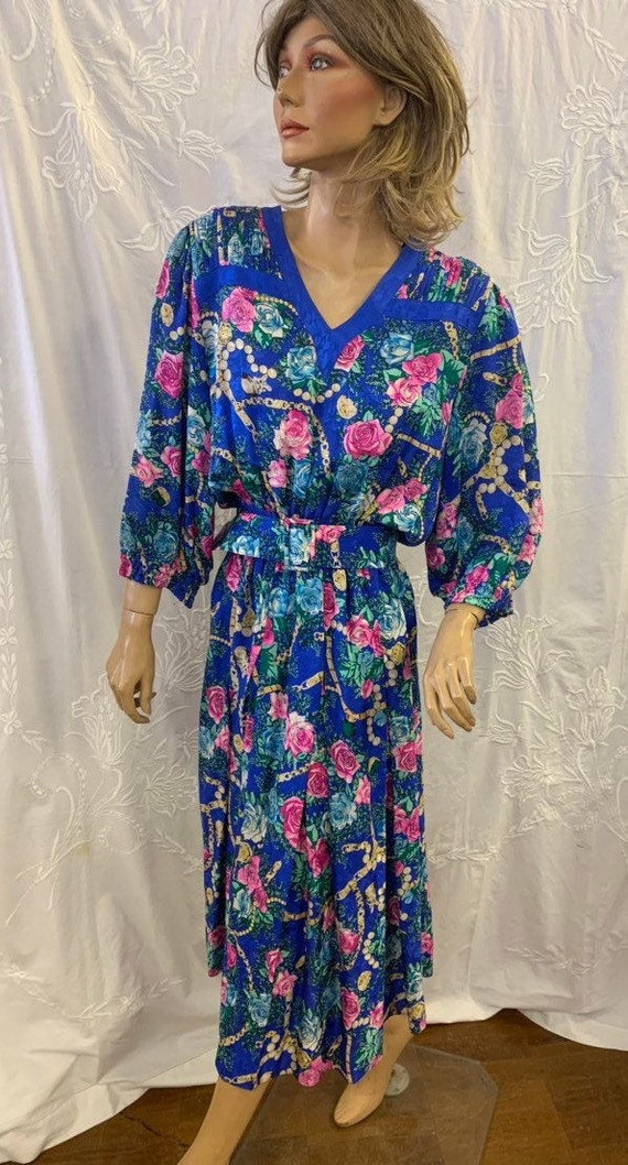 Gorgeous Vintage Silk floral print 80's dress size