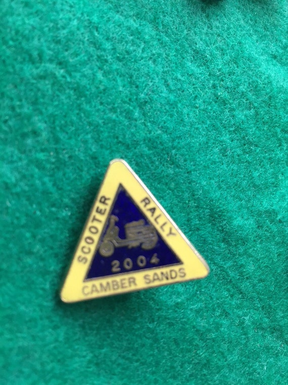 Scooter rally pin badge- camber sands 2004