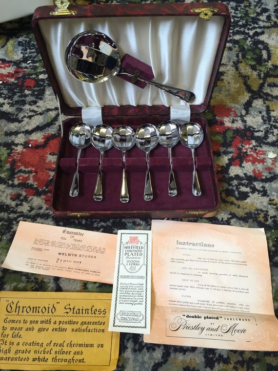 Boxed set of Sheffield chromoid plates spoons with original paperwork