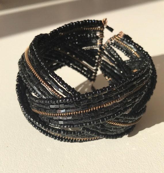 Bleack beaded bracelet