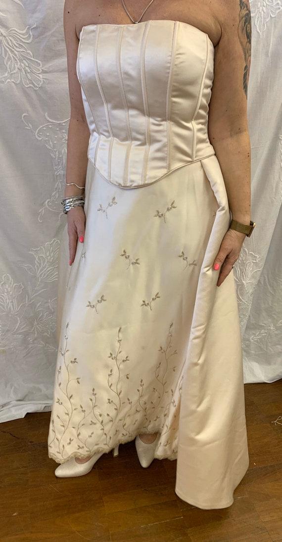 Beautiful vintage wedding dress size Uk 16