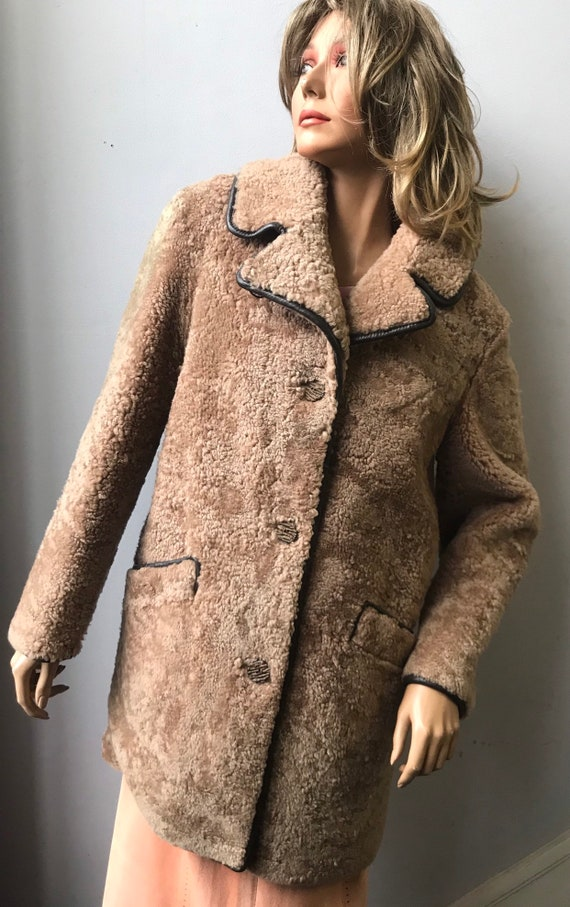 Stunning teddy bear fur coat with leather trim size uk 10-12