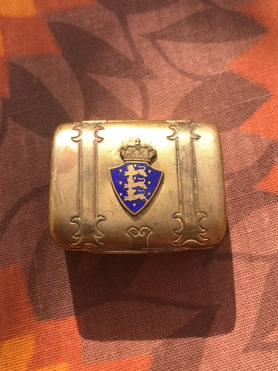 Vintage metal keep sake or pill box with enamel  three lions and a crown badge