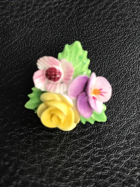 Vintage ceramic flower brooch made by Denton if England