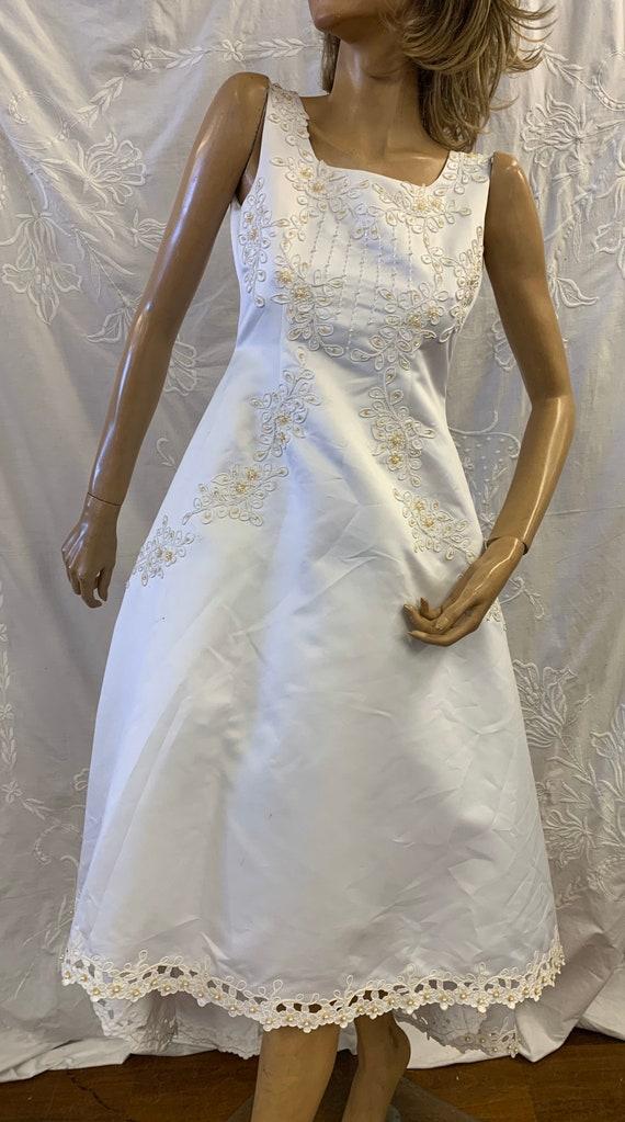Beautiful beaded floral vintage wedding dress size Uk 8-10