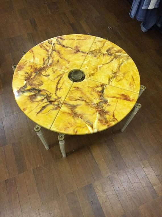 Vintage 1980's circular coffee table that separates