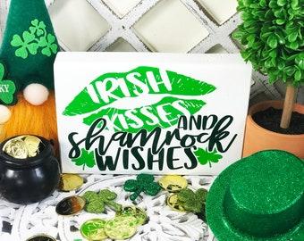 St Patrick/'s Day Word List Wood Sign l St Patrick/'s Day Decor l Tiered Tray Decor l Farmhouse Decor l Holiday Decor