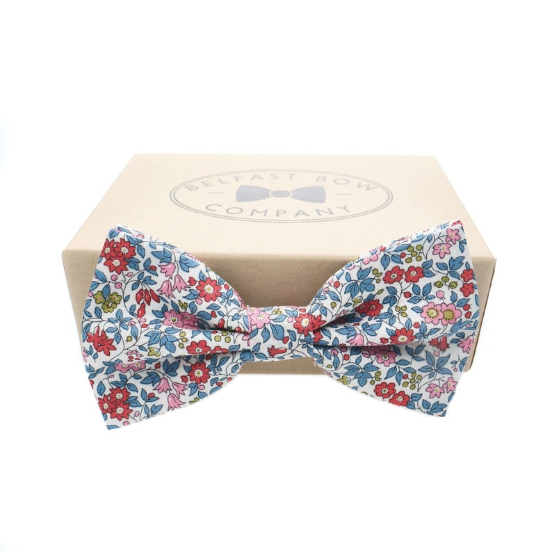 aa20c5730d75 Liberty Bow Tie in Blue Pink and Red Floral Self-Tie   Etsy
