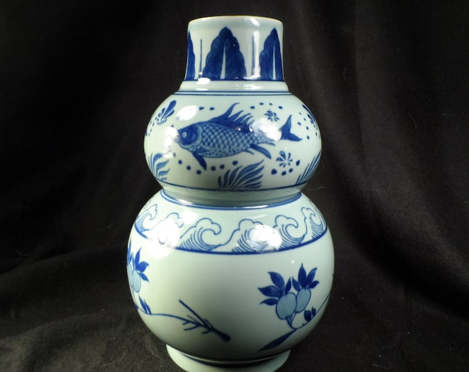 Fine Porcelain-Pottery Vase Blue With Carp -A Chinese blue and white porcelain double gourd vase, late 19th/20th century Painted with Carp.