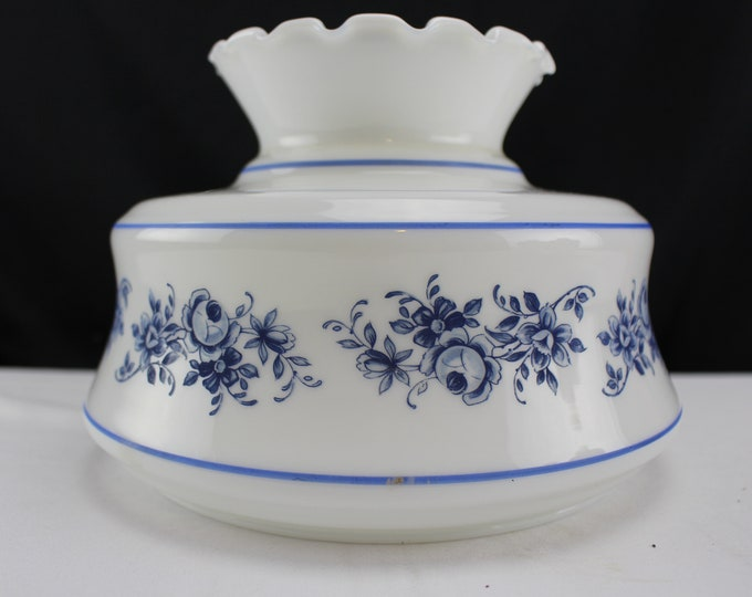 """Vintage GWTW Student Lamp/Light Shade White Blue Floral Pattern 7"""" fitter Home Decor Lighting"""